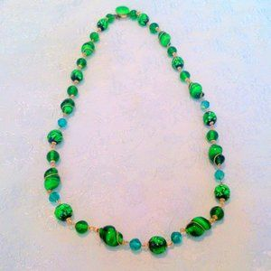 Vintage Emerald Green Art Glass Beaded Necklace